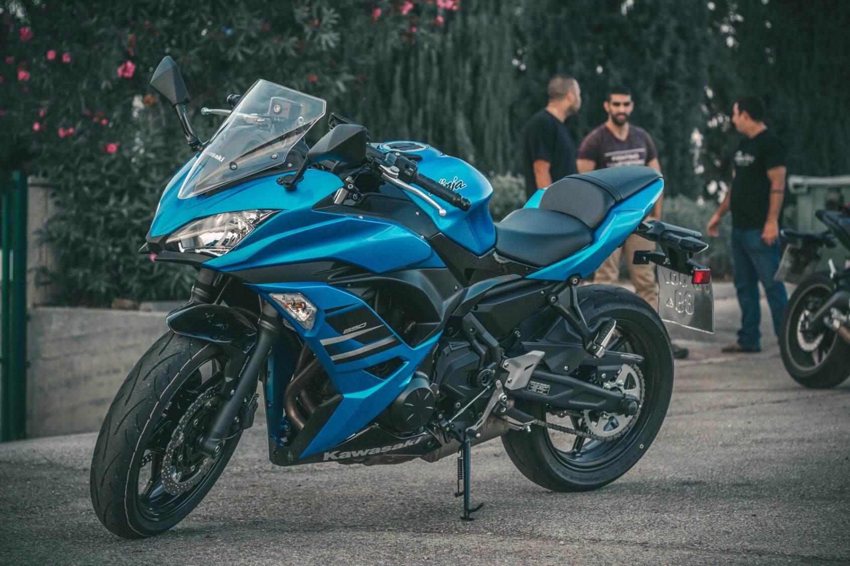 Blue Kawasaki Motorcycle - Original image